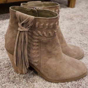 Jessica Simpson  Chassie suede bootie size 9